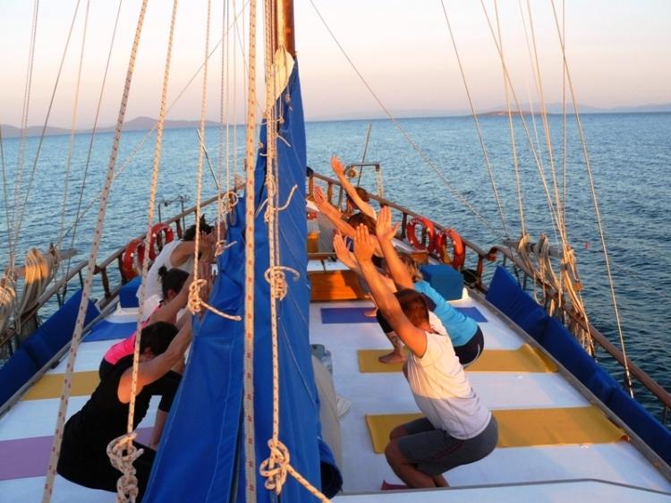 yogacruising.com_237